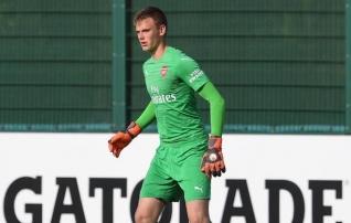 Eesti noortekoondise väravavahil on Arsenalis käsil väga hea periood - debüütmäng ning treenimine esindusmeeskonnaga