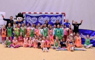 Tüdrukute jalgpallifestivalist võttis osa üle 100 lapse