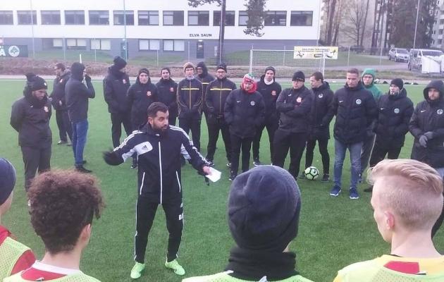 David Roufpanah oktoobris Heliose ja Elva treenereid ja mängijaid koolitamas. Foto: erakogu