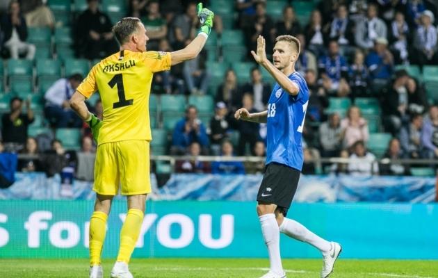 Karol Mets (paremal) tähistamas koos Mihkel Aksaluga. Foto: Brit Maria Tael