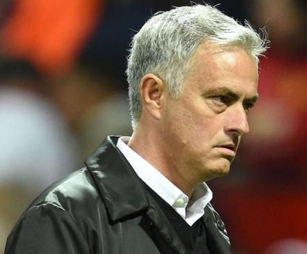 AMETLIK: Mourinho lahkus Unitedist  (esialgne asendaja teada!)