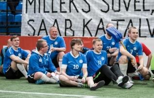 Põlvkondadevahetuse küüsis olev Jalgpallihaigla soovib oma tuumiku kolida alumisele tribüünile