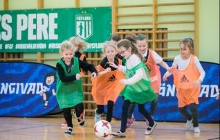 Uuel aastal uue hooga: tüdrukute jalgpallifestivalil osales ligi 200 tüdrukut