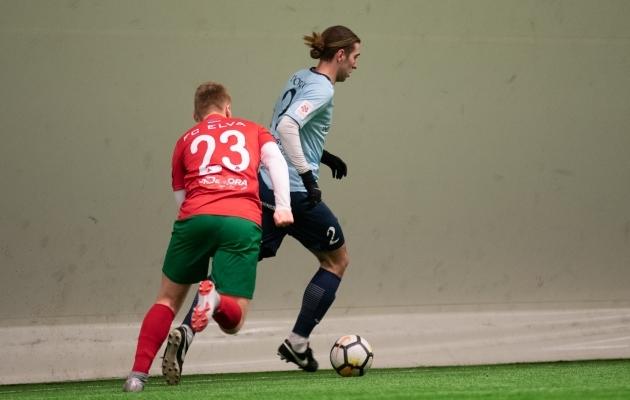 Silver Alex Kelder mängimas halliturniiril FC Elva vastu. Foto: Liisi Troska