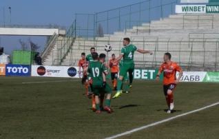 Tur pääses algkoosseisu, kuid Botev kaotas Bulgaaria suurklubile  (Elhi pingil)