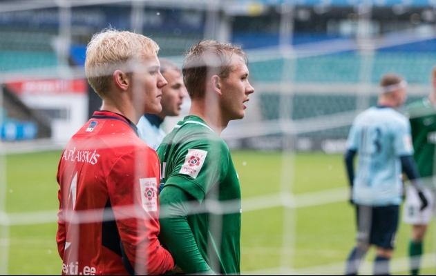 Mark Anders Lepik (keskel rohelises) veel Šveitsis platsile pole pääsenud. Foto: Brit Maria Tael