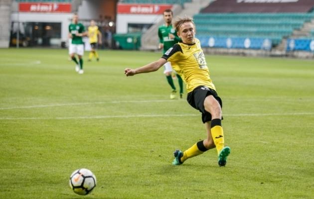 Gustav-Hendrik Seeder mängis 2018. aastal Viljandi Tuleviku eest 29 Premium liiga kohtumises ja lõi ühe värava. Lisaks tegi ta U19 koondise kodusel EM-valikturniiril algusest lõpuni kaasa kaks mängu kolmest. Foto: Brit Maria Tael