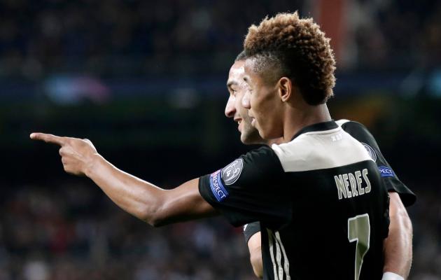 Mängumees! Ajaxi äärepoolkaitsja oskab kätte maksta: palliplatsil vastasele, eraelus naistele