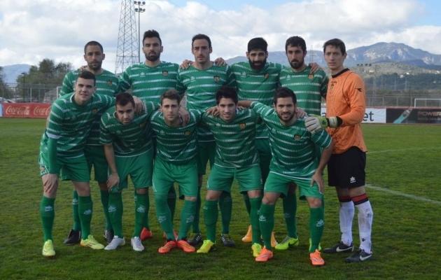 Enric Gallego (tagareas vasakult teine) ja Alex Gallar (esireas vasakult esimene) esindasid Cornellat koos hooajal 2014/15.  Foto: www.panenka.org