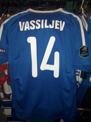 Konstantin Vassiljevi poolt 2011. aasta Põhja-Iirimaa - Eesti mängus kantud särk on selle omanikuks saanud fänni kodus siiani aukohal. Foto: erakogu