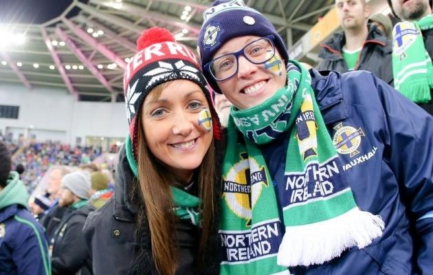 Põhja-Iirimaa koondise toetajad. Foto: Põhja-Iirimaa jalgpalliliidu Twitter