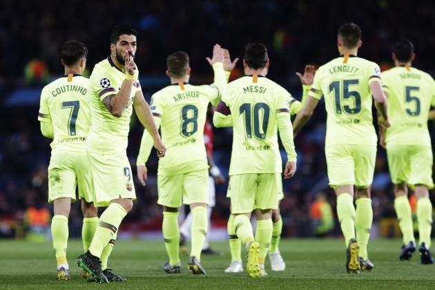 FC Barcelona asus juhtima 12. minutil, kui Luis Suarez suunas peaga värava eest läbi Lionel Messi tsenderduse. Pall läks väravasse Luke Shaw puutest ja kirja omaväravana. Foto: FC Barcelona Twitter