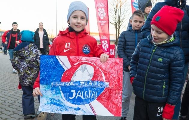 Narva Transi fännid enne mängu Levadiaga. Foto: Dmitri Fedotkin