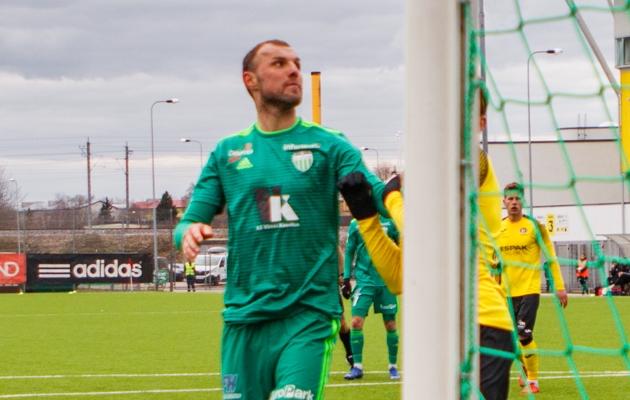 Jevgeni Osipov mängus Viljandi Tulevikuga. Foto. Oliver Tsupsman