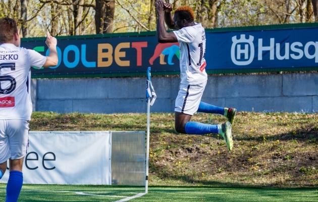 Frankline Okoye väravat tähistamas. Foto: Oliver Tsupsman