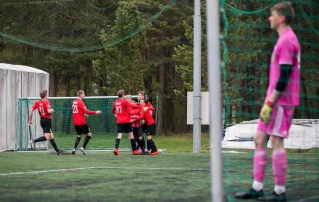 Nõmme Unitedi meeskond tähistab 1:0 juhtväravat. Foto: Brit Maria Tael