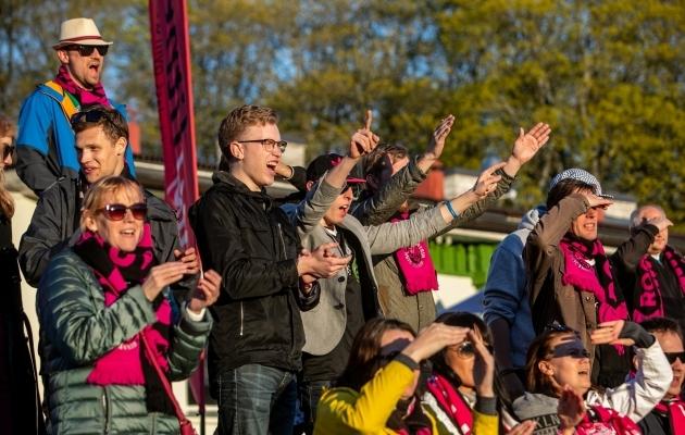 Nõmme Kalju fännid mängul Tallinna Kaleviga. Foto: Gertrud Alatare