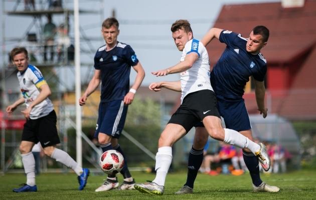 Hannes Anieril (esiplaanil) oli mängu parim väravavõimalus, kuid pall võrku ei leidnud. Foto: Brit Maria Tael