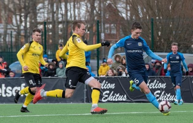 12. vooru lõpetab FC Kuressaare ja Viljandi Tuleviku duell. Foto: Liisi Troska