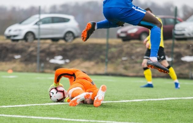 Kes ja kuidas Lõuna-Eesti madinas hüppab, saab vaadata Soccernet.ee otsepildi vahendusel. Foto: Brit Maria Tael