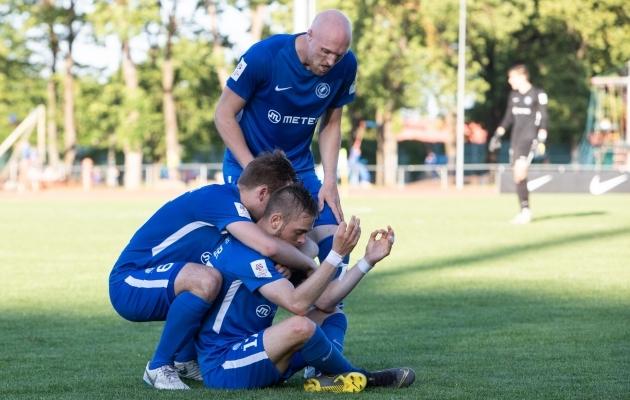 Tammeka mängijad tähistamas Sander Kapperi väravat. Foto: Seleri Tidor