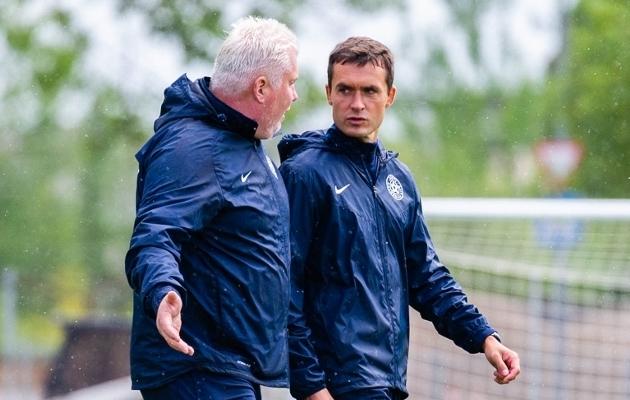 Koondise treenerid Norbert Hurt ja Mihhail Artjuhhov. Foto: Christer Palu / Jalgpall.ee