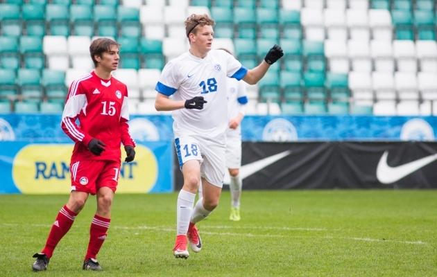 Mattias Männilaan omavanuste Eesti koondises. Foto: Jana Pipar / Jalgpall.ee