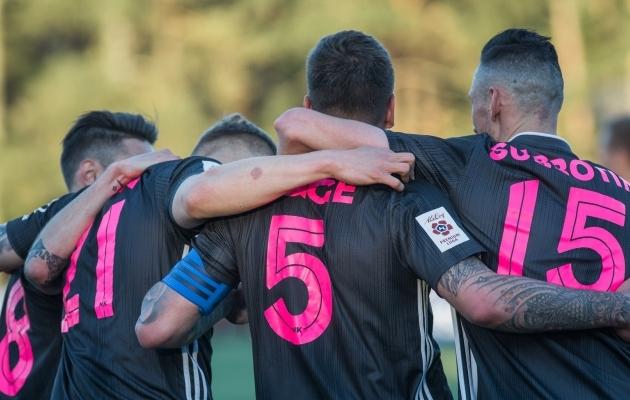 Luup peale | Nõmme Kalju – Eesti klubijalgpalli eurosarjaspetsialist!