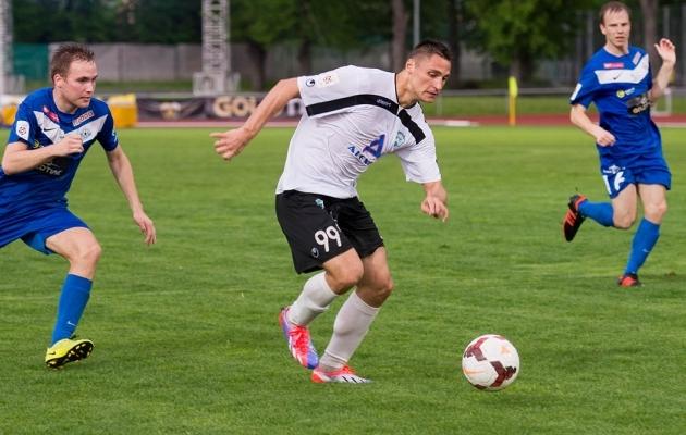 Mõne aasta eest oli Jevgeni Kabajev Eestis kõigi kaitsjate hirm. Kas ajalugu kordub? Foto: Soccernet.ee arhiiv