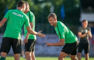 Eintrachti ootel: Flora noolib ajaloo teist edasipääsu
