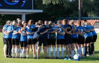 Selgus naiste koondise koosseis Hollandi vastu, tervislikel põhjustel puudub neli mängijat