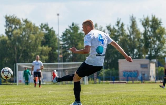 b2e9f8bf48d Galerii: Läänemaa ja Põlvamaa mängus nähti 12 väravat - Soccernet.ee ...