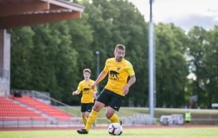 VAATA JÄRELE: Vaprus võitis Tarvast tänu poolaja viimase sekundi väravale