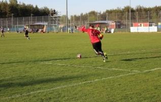 Juulikuus neli penaltit tõrjunud Niinepuu valiti Esiliiga B parimaks