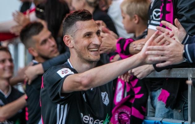 Nõmme Kalju poolkaitsja Igor Subbotin pärast juunis saavutatud 1:0 võitu FC Flora üle. Kui Kalju mängib teisipäeval Dudelange'i vastu samasuguse täpsuse, tähelepanelikkuse ja tarkusega, nagu toona, pole vajaliku 2:0 võidu saavutamine üldse võimatu. Foto: Gertrud Alatare