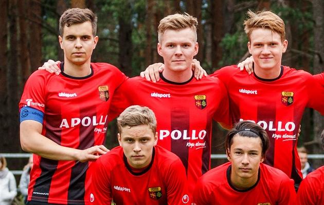 Niilop (taga keskel) on esindanud Eesti U15, U16, U17, U18 ja U19 koondiseid. Foto: Oliver Tsupsman