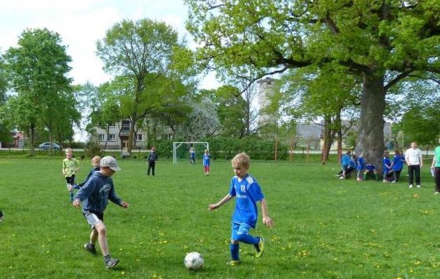 Mis on palli puu otsa löömisest halvem? Päästeoperatisooni nurjumine