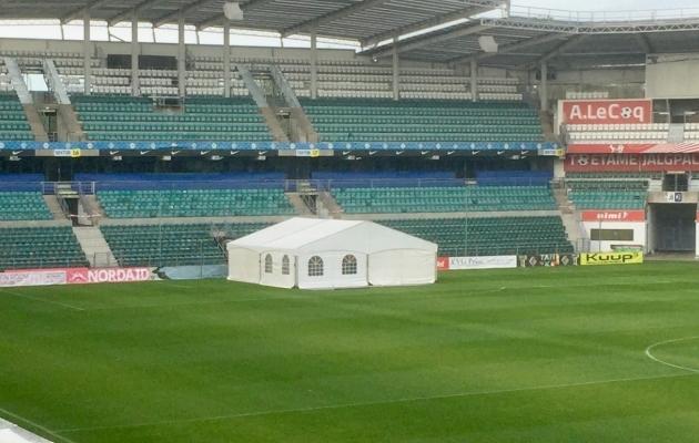 Sportomedica kliiniku avamisüritus toimus A. Le Coq Arenale ajutiselt püstitatud telgis. Foto: Soccernet.ee