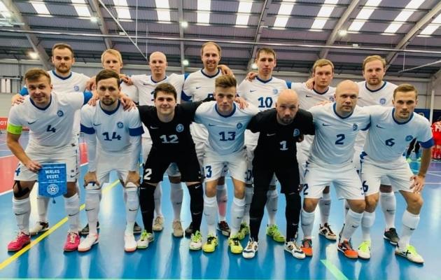 Eesti meeskond Walesis. Foto: Eesti saalijalgpalli Facebook