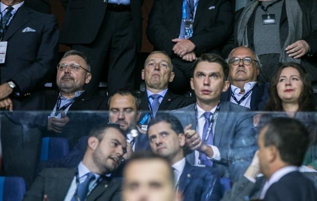 EJL-i peakohtunik Uno Tutk (keskel) on Euroopas hinnatud kohtunike vaatleja. Eestis tuleb tal igapäevaselt maadelda sellega, kuidas hoida inimesi kohtunikutöö juures. Foto: Brit Maria Tael