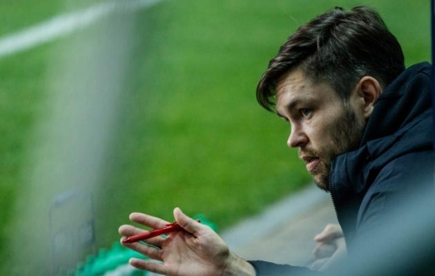 FC Flora peatreener Jürgen Henn. Foto: Oliver Tsupsman