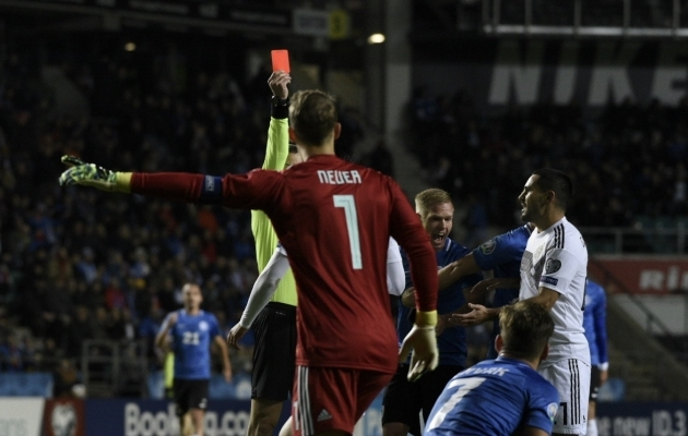 Emre Can teenis 14. minutil punase kaardi. Foto: Liisi Troska / jalgpall.ee