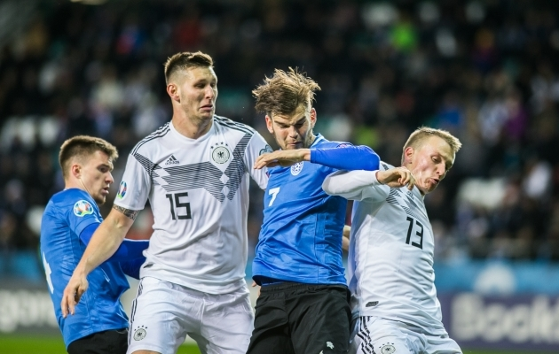 Frank Liivak võitlemas Niklas Süle ja Frank Klostermanniga. Foto: Brit Maria Tael