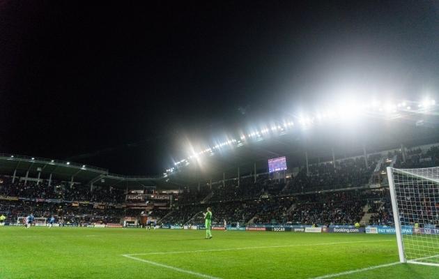 Koondisemängudele videokohtunike süsteemi toomine on UEFA ja FIFA poolt jäetud kohaliku jalgpalliliidu mureks. Ühe investeeringu tegemine võib sujuvalt viia VAR-i kasutuselevõtuni koduliigas. Foto: Brit Maria Tael