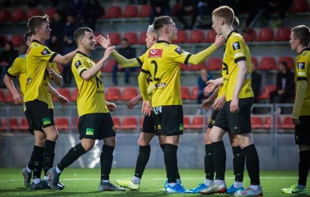 IA Akranesi noormängijad tagusid FCI Levadia eakaaslaste puuri palle täis. Foto: Jana Pipar / jalgpall.ee