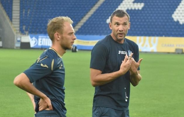 Andri Ševtšenkol jagub enne mängu Eestiga pisut mõtteainet. Foto: Ukraina alaliidu Twitter