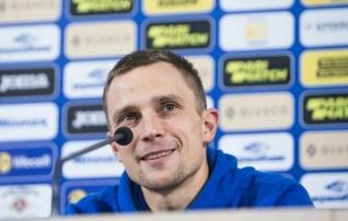 Ukraina vastu kaptenina (võib-olla viimast korda) väljakule jooksev Kams: praegu peame keskenduma mängule, mitte minule