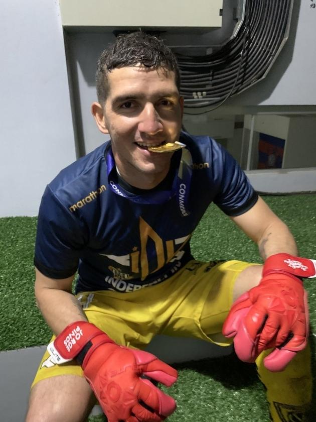 Jorge Pinos nautimas oma suurt võitu. Foto: Independiente del Valle Twitter