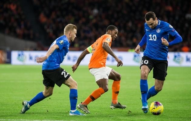 Zenjov põgenemas Liverpooli poolkaitsja Georginio Wijnaldumi eest. Foto: Jana Pipar / jalgpall.ee