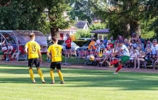 Esiliiga hooaeg algab põnevuslahinguga  (Soccernet.ee kannab üle!)